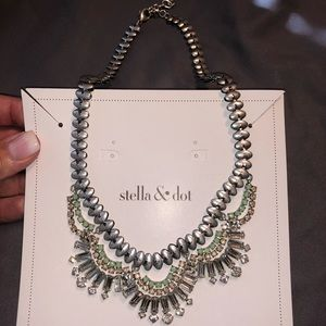 Stella & Dot -Vintage Belle Necklace